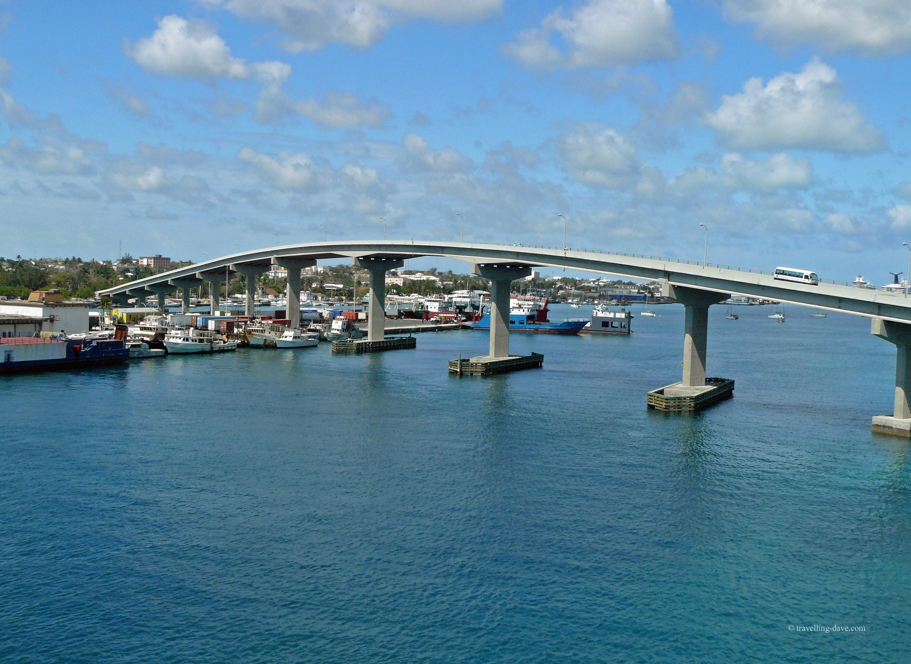 Bridge connecting Nassau with Paradise Island in the Bahamas