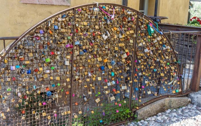 Borghetto sul Mincio love padlocks