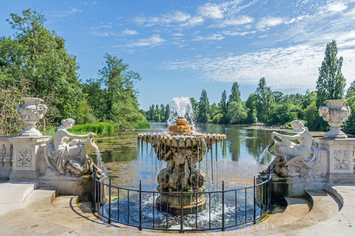 The famous Tazza Fountain overlooking the Long Water in London