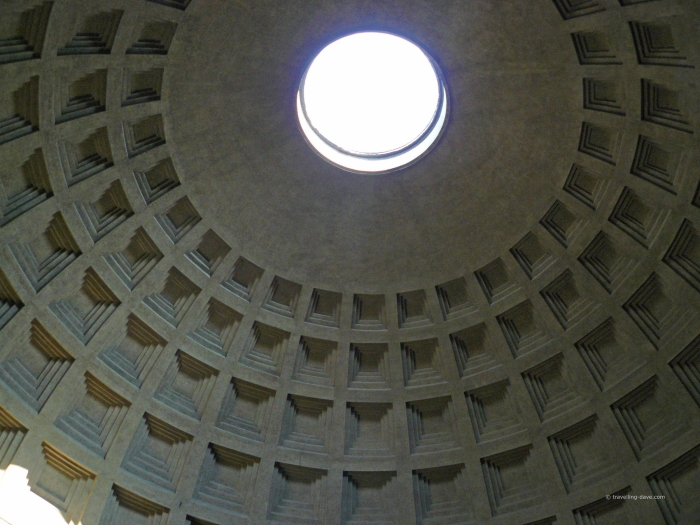Looking up at the Pantheon Oculus