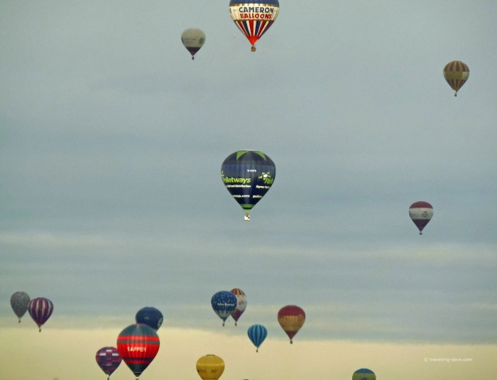 Mass launch of hot air balloons