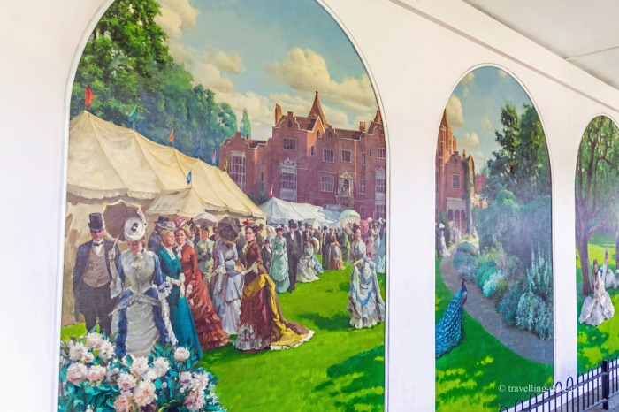 Murals in Holland Park