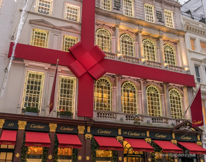 Christmas decorations on Cartier store
