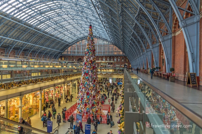 Christmas Tree at St.Pancras Station
