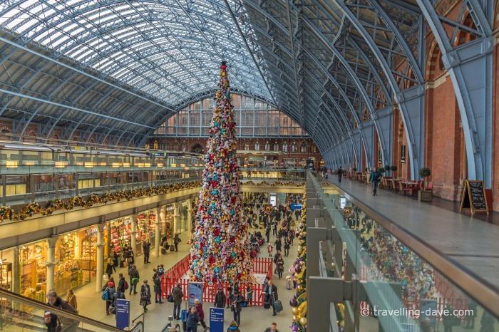 Christmas Tree at St.Pancras Station