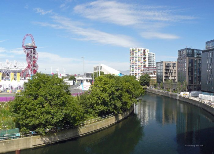 The river and the ArcelorMittal Orbit, London