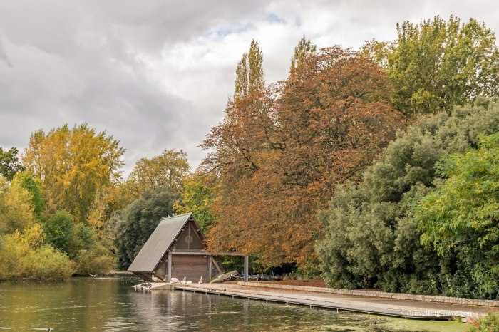 View of Battersea Park boathouse