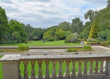 Panoramic view of London's Hill Garden