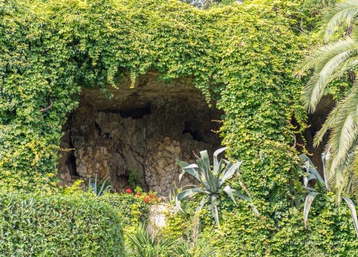 View of Isola del Garda gardens grotto