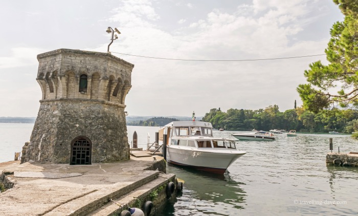 View of a boat arriving at Isola del Garda