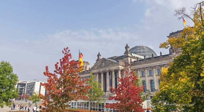 View of colorful trees in front of the Reichstag