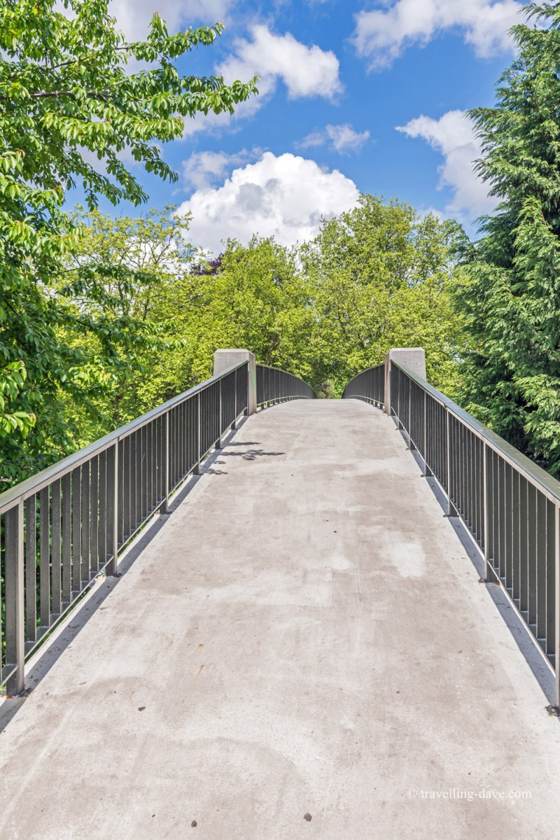View of the pedestrian bridge to Lille's Bois de Boulogne