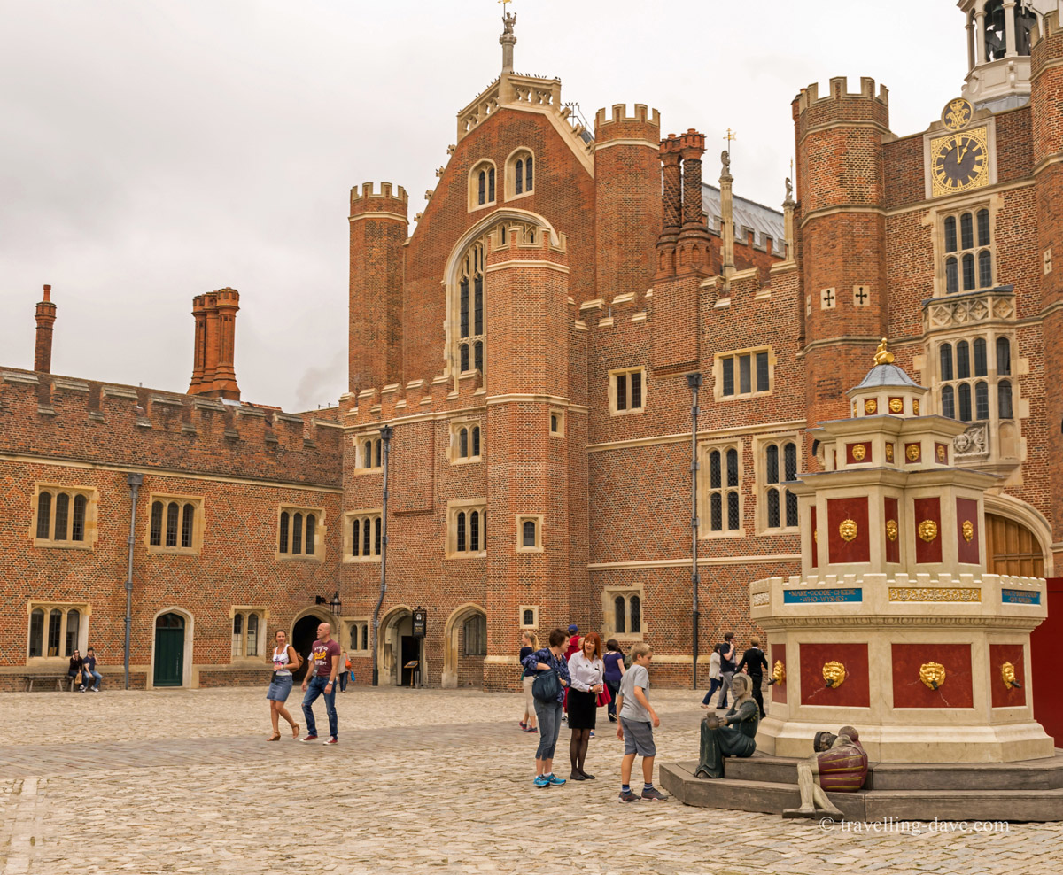 View of the Wine Fountain at Hampton Court